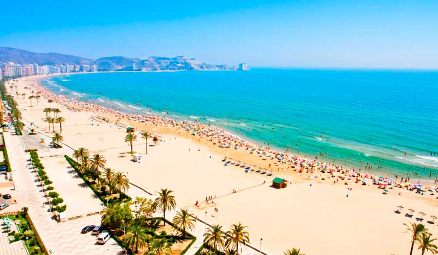 The best beaches in valencia urban youth hostel valencia for Best beach near la