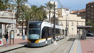 transport-in-valencia-urban-youth-hostel